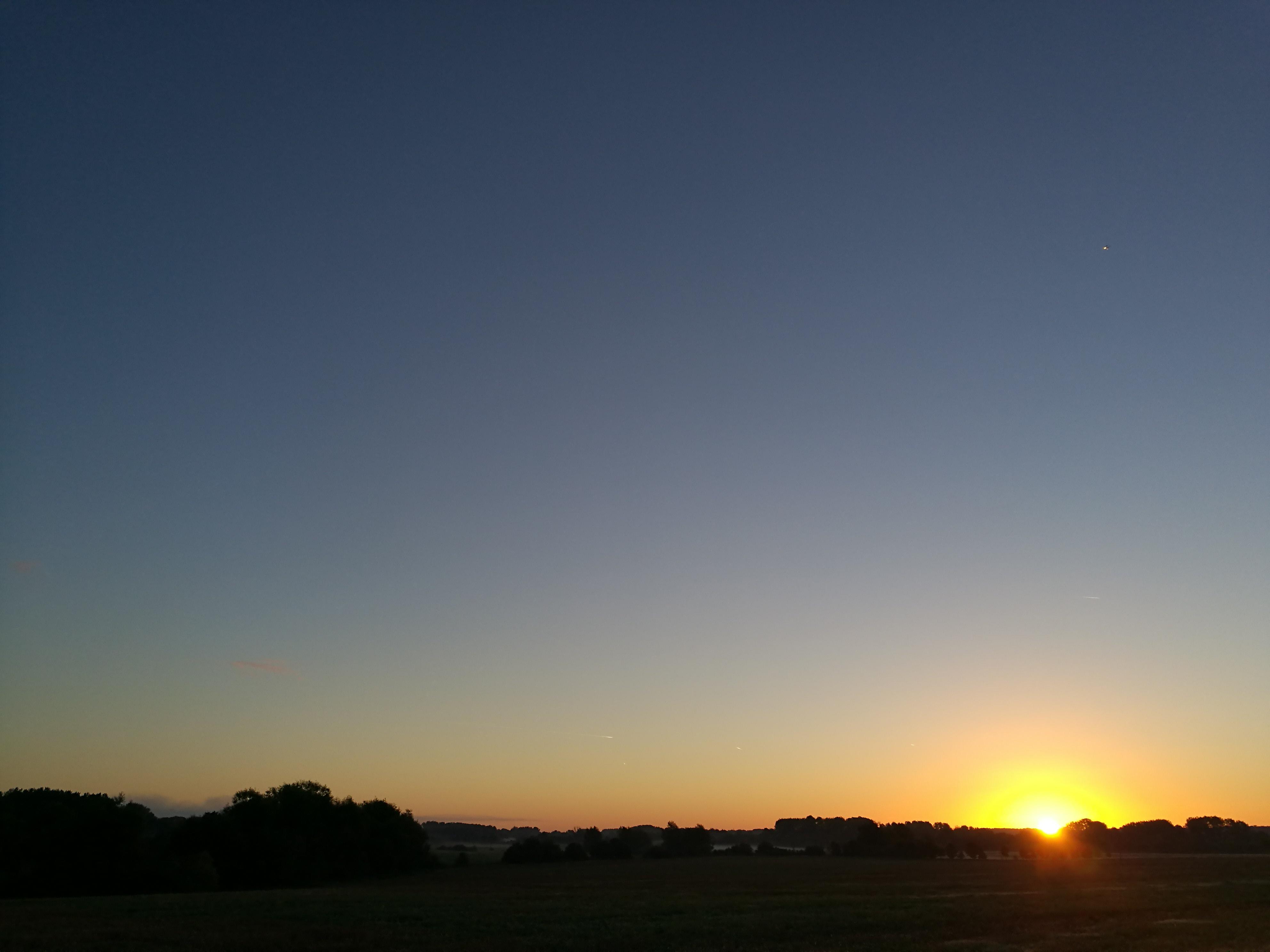 Sunrise in Brimpton